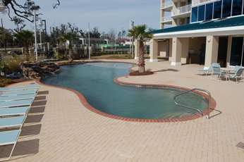 Georgous beachview pool at Beau View vacation condo rental in Biloxi