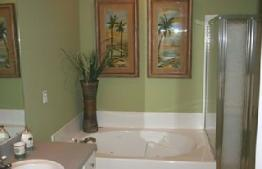 Nicely finished bathrooms of Legacy Villas vacation condos in Biloxi