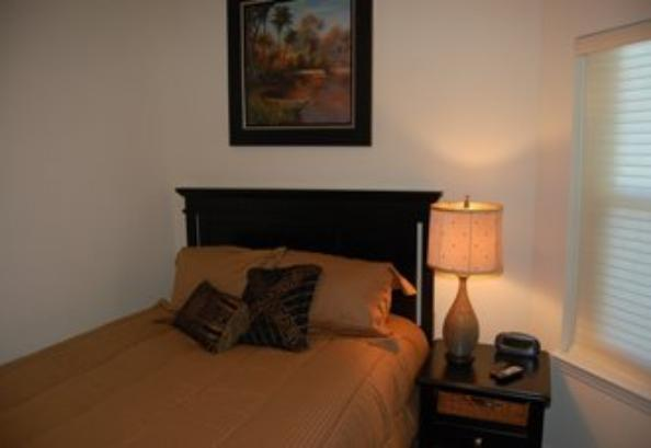 Guest bedroom queen size, Beau View Biloxi condo rental